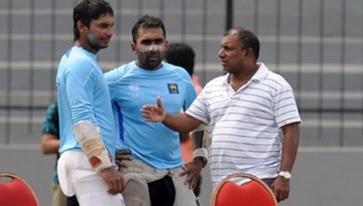 Aravinda clarifies Mahela's role in SL team